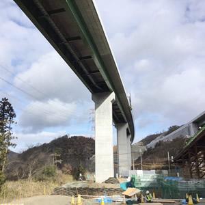 新名神高速道路 橋架け下基礎工事